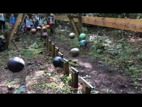 A Giant Pendulum Wave Machine Made with Bowling Balls [Video] | Geeks are Sexy Technology News