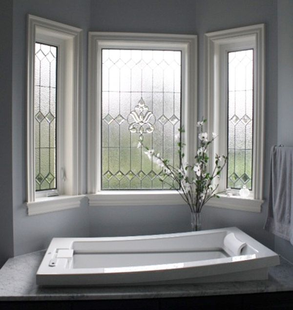 Bathroom -Glass Feature