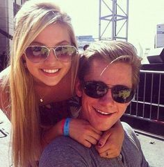 olivia holt and luke benward they are a great couple but still that should be me