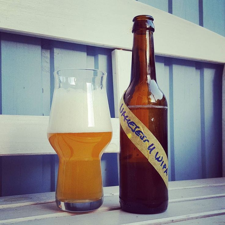 Tasty but yet nameless WIPA by Heintz #craftbeer #craftbier #homebrew #white #ipa #indiapaleale #beerlove #beerporn #instabeer #beernerd #beerstagram #beerpics #kiel #craftbeerkiel #craftbeerlife #beer #bier #birra #cerveja #cerveza #øl #cheers #prost