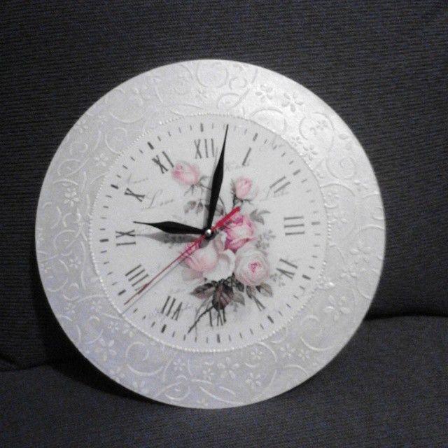 decoupage waal clock