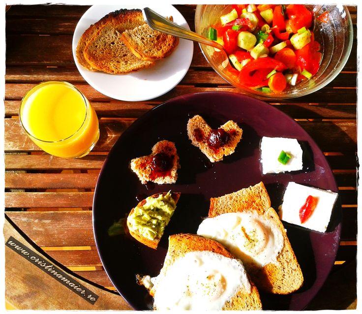 My #breakfast...in colours! ;) #depoveste http://www.cristinamaier.ro/fructe-si-legume-pentru-o-sanatate-mintala-pe-bune/ #new #recipe #story #cristinamaierro
