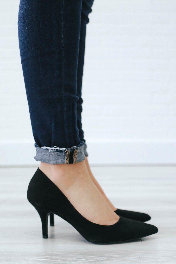 Kitten Heel Pumps Uoionline Com Kitten Heels Outfit Heels Black Pumps Heels