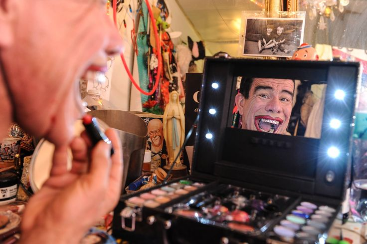 Check out behind the scenes with our Hot Mr C, photos from our event.   Clicks has teamed up with Madame Zingara to launch a fabulous new cosmetics line and the collaboration was celebrated at a spectacular night at the Theatre of Dreams in Cape Town.