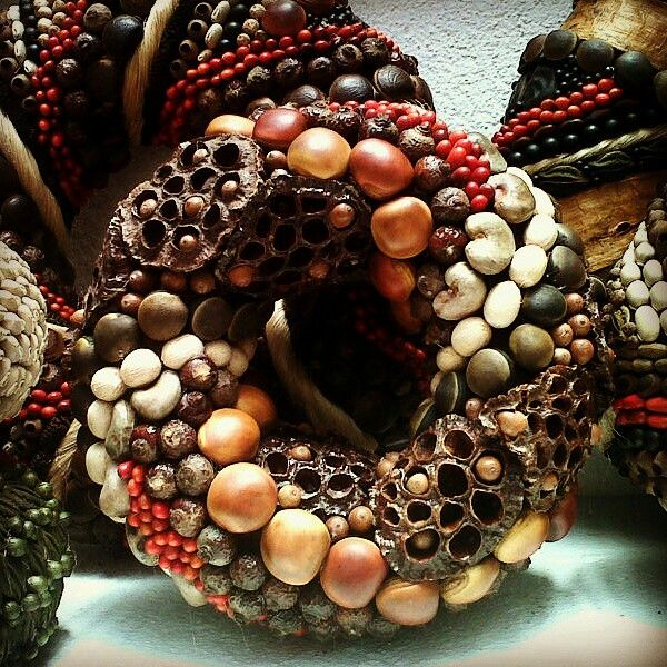 Natural wreath made with exotics seeds from DECOESFERAS, Art with seeds in Guatemala