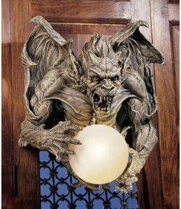 Medieval Twilight Gargoyle Rage Wall Light. Gothic Home Decor Products-Displays