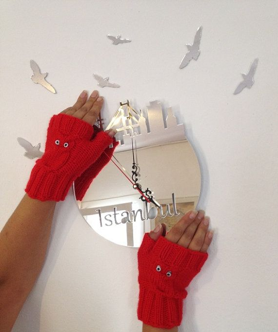 Owl figure Red  Wool Fingerless Gloves Armwarmers  by NesrinArt, $21.00: Owl Figures, Gloves Armwarm, Fingerless Gloves, Red Wool, Knits Owl, Figures Red, 2100, Wool Fingerless, Bees Style