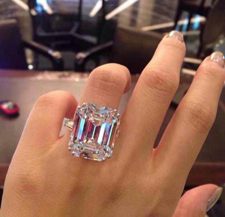 27.42 carat Graff Diamond ring, definitely not this big, but the cut is flawless…
