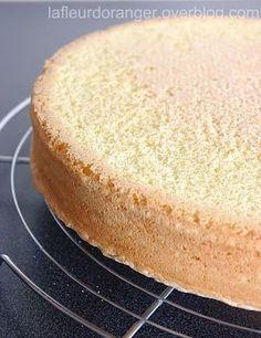 Une recette de génoise à garder pour l'utiliser comme base pour vos gâteau d'anniversaire ou autres..., Cette génoise est très légère et bien aérée qu'on peut garnir comme on veut, avec de la crème chantilly, crème au beurre ou une ganache.... Ingrédients...