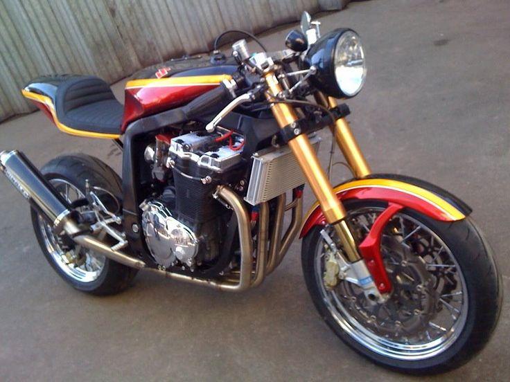 """Racing Cafè: Suzuki GSX-R 1100 """"Barry Sheene"""" by KMP"""