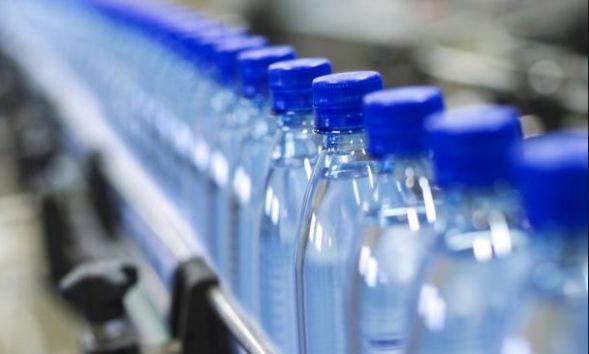 La OCU elige las mejores marcas de agua embotellada