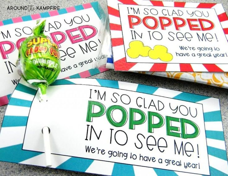10 Tips for Managing Meet the Teacher like a pro! Student welcome gifts for back to school night.
