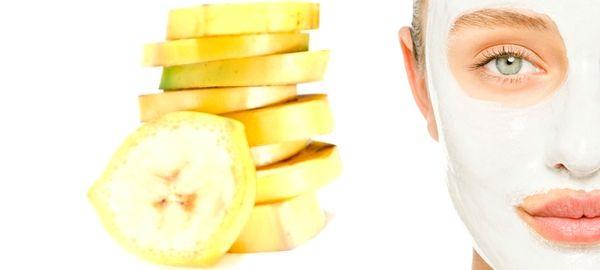 """Les gens ne savent pas qu'on peut utiliser la pelure des banane pour nourrir ça peau. Eh oui, les pelures de bananes peuvent servir à plusieurs utilisations que juste pour """"glisser sur"""" ou de compost dans votre jardin. La pelures de banane contient de la lutéine, un antioxydant et beaucoup de potassium, C'est probablement ce qui explique l'effet guérissant de la pelure de banane. Si vous avez les boutons, le psoriasis, ou l'herbe à puce, et que vous avez une banane sur votre comptoir de…"""