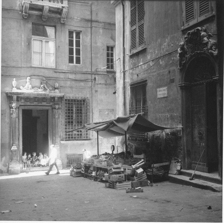 Genova, piazza Sauli (anni '60-'70)