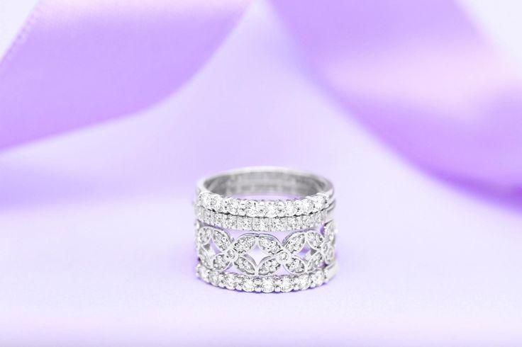 Svatební přípravy jsou v plném proudu.  Počítejte prosím s tím, že výroba vašich snubních prstenů bude trvat minimálně 3 týdny.