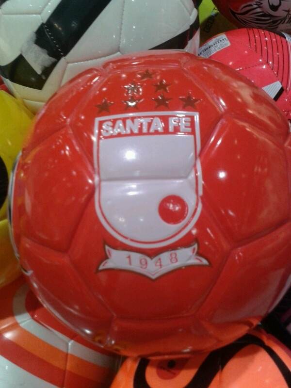 Balón de Independiente Santa Fe :)