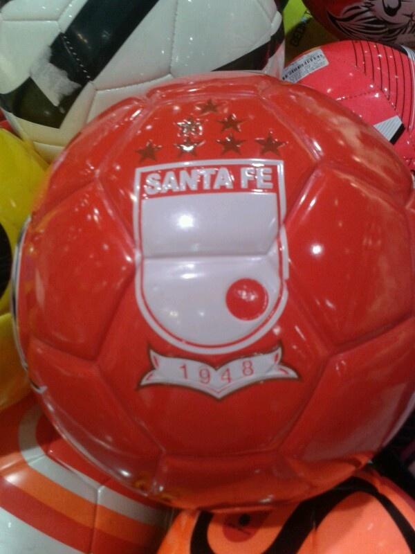 Balón de Independiente Santa Fe :)