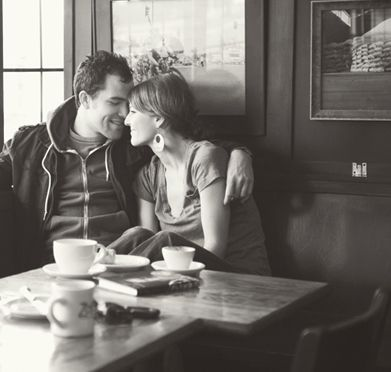 Lovely and casual engagement session- Photo via Emily Blake Photography on The Brides Cafe