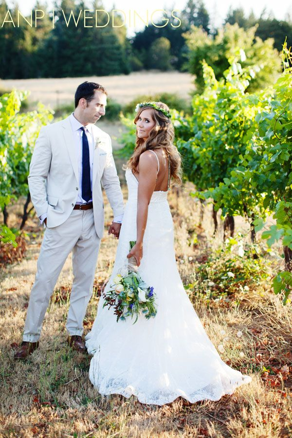 Vineyard Wedding Sweet Cheeks Winery Eugene Photographer Bride And Groom Poses