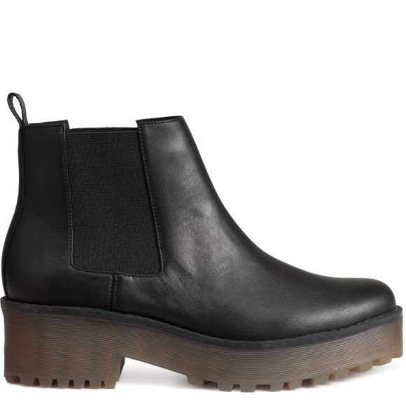 Platform Chelsea Boots Worn once but one got a scratch on the tip H&M Shoes Ankle Boots & Booties