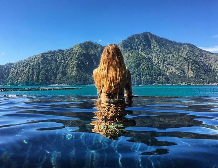 Try bathing in the natural hot springs of Kintamani. A deeply enriching and relaxing experience, take in the panoramic view of the Batur crater lake as you surrender to its therapeutic warmth.  www.camakilabali.com #camakila #thecamakila #camakilabali #legian #bali Picture by: @yoga_with_dani