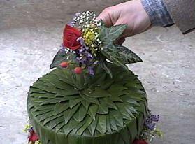 Bloemschikken thema:een gecombineerd bloemstuk voor Valentijn