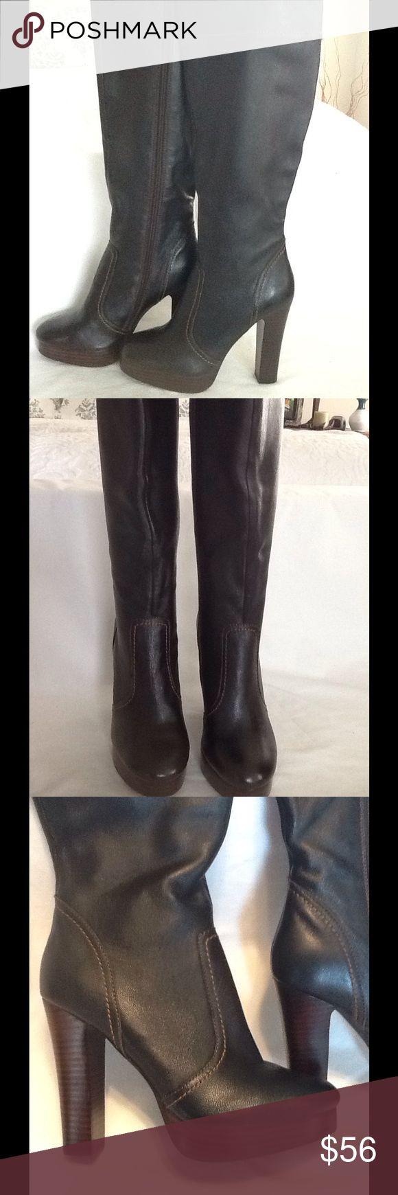 "Colin Stuart dark brown knee high platform boot Featured is a pair of new Colin Stuart dark brown knee high platform boots NWOB.these boots have a 4.5"" heel . Beautiful pair of boots size 5 1/2 B Colin Stuart Shoes Heeled Boots"