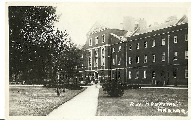 HASLAR ROYAL NAVY HOSPITAL MAIN ENTRANCE POSTED PORTSMOUTH 1940 REAL PHOTO PC