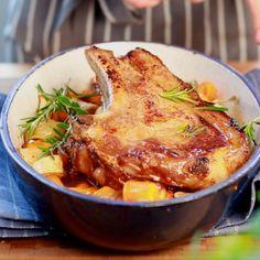 Le veau a la cote ! On fond pour cette viande tendre et facile à cuisiner. Suivez la recette de la côte de veau grillée et de ses petits légumes (la couverture...