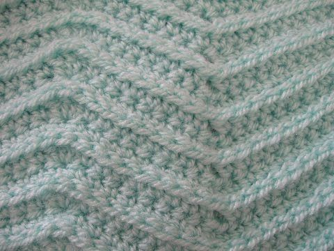 Zig Zag Stitch - Crochet Tutorial - YouTube ༺✿ƬⱤღ  http://www.pinterest.com/teretegui/✿༻