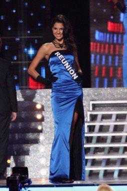 Marie Payet  porte un collier Fanny Kachintzeff réalisé au profit de l'association Etincelle - Miss Reunion 2011 - Miss France 2012 TV Show.