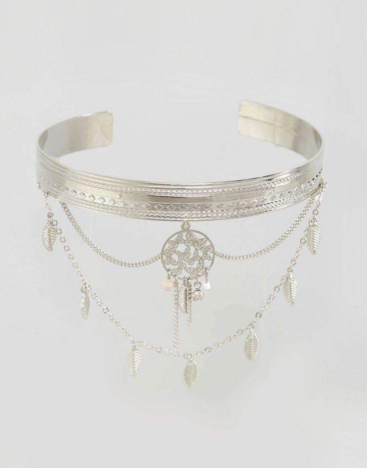 Bracelet de bras drapé avec attrape-rêves.