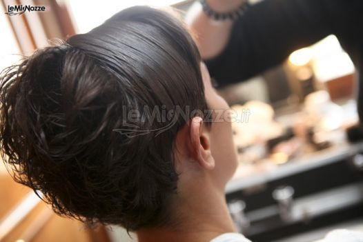 Acconciatura sposa per capelli corti. Clicca e guarda tantissime altre immagini di acconciature sposa http://www.lemienozze.it/gallerie/foto-acconciature-sposa/img29257.html