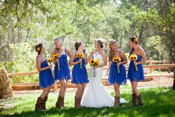 bride and bridesmaids, bridal party, cornflower blue ...