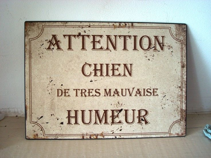 plaque maill e attention chien de mauvaise humeur d co r tro plaques d coratives. Black Bedroom Furniture Sets. Home Design Ideas