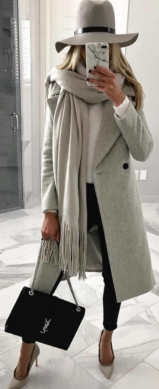 #winter # outfits gray coat with gray hat and gray fringed cloth. Pic from @milano_s