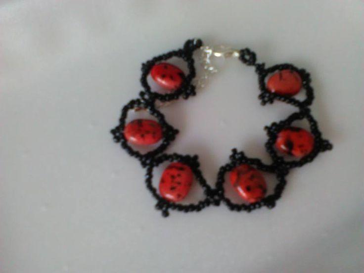 My lady bug bracelet;)