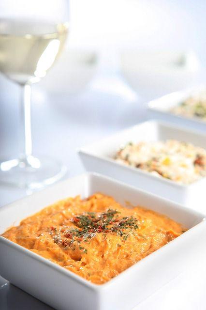 KOLAY VE LEZZETLİ yoğurtlu havuç salatası tarifi ,meze tarifleri.Kolay ve pratik salatalar için sayfayı ziyaret edin... Nefis salata tarifleri,yapılışı ÇOK KOLAY ve LEZZETLİ Havuç salatası için gerekli malzemeler nedir? SÜPER LEZZETLİ KOLAY ÖZEL GÜN MENÜLERİ