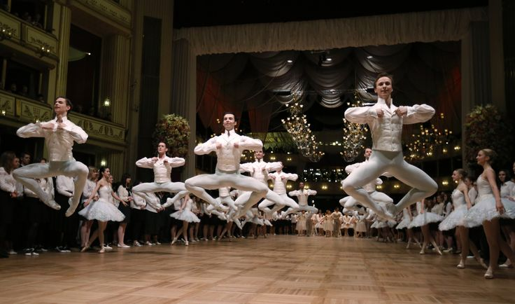 Dancers of the state opera ballet perform during a dress rehearsal for the Opera Ball in Vienna, Austria, Feb. 11, 2015.