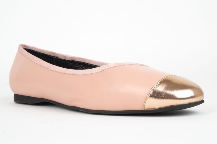 Classic leather toe cap ballet flat by BELLINI. This style is soft and comfortable on your feet and has all the hallmarks of a classc ballet flat shoe. Grosgrain ribbon trim. Leather upper, lite bendy sole. HEEL: 1cm WIDTH: B