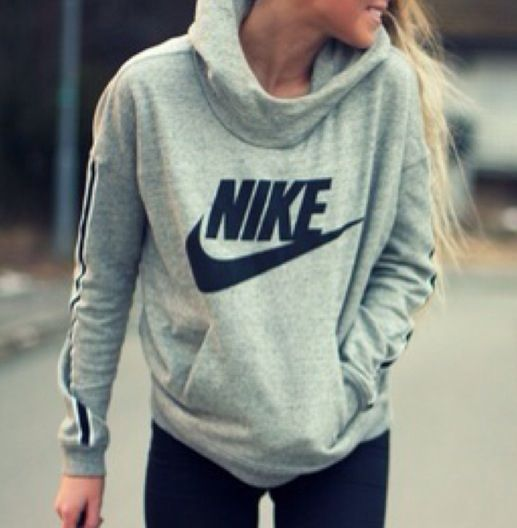 Nike sweatshirt // ya should shoot me a follow ;)