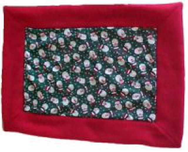 Free Patterns to Help Animal Shlters and Entertain Your Furry Friends: Fleece Blanket with Cotton Quilt Charm