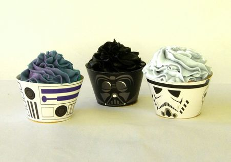 Make Star Wars and R2D2 cupcakes with these printable cupcake wrappers