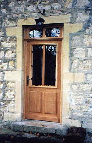 Plus de 1000 id es propos de idees portes et fenetres - Portes d entree vitrees ...