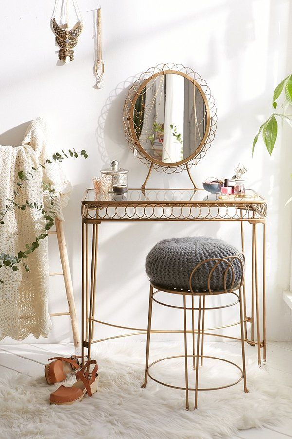25 Best Ideas About Vintage Makeup Vanities On Pinterest Girls Vanity Table Antique Makeup
