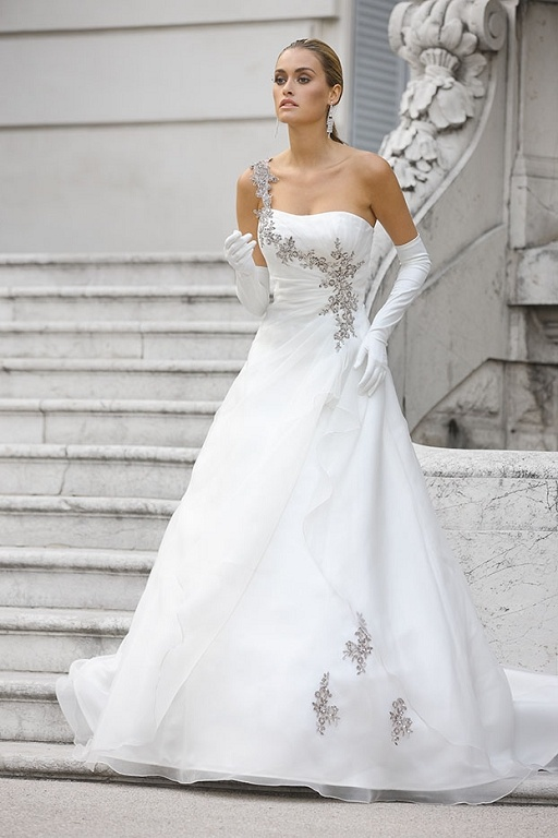 Bruidsjurken, trouwjurken, bruidsmode van Ladybird 32004