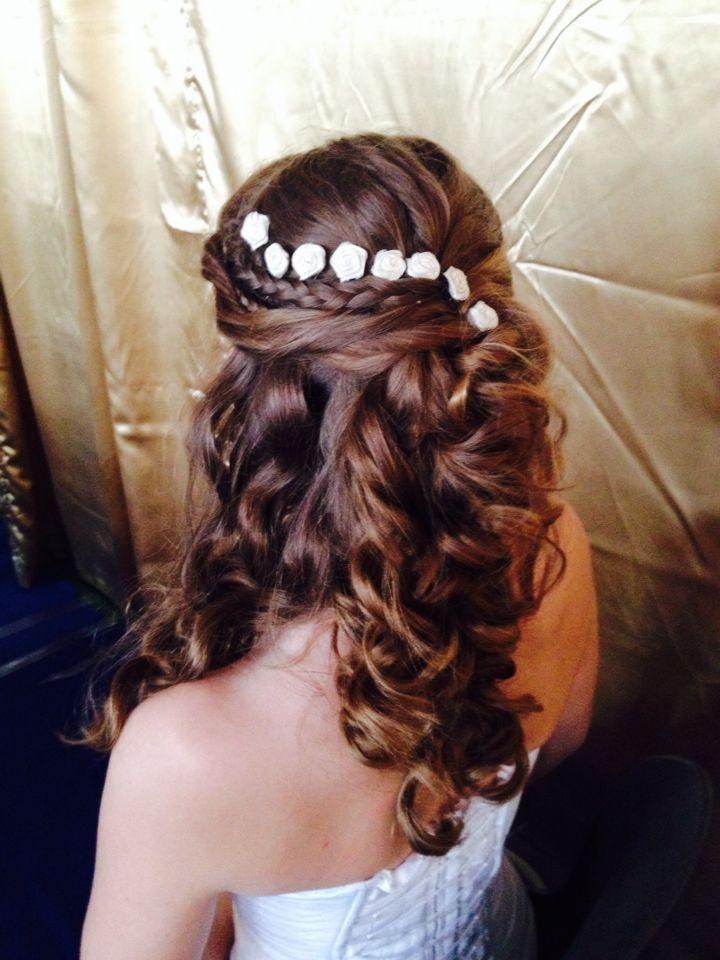 >Flower girls hair look<