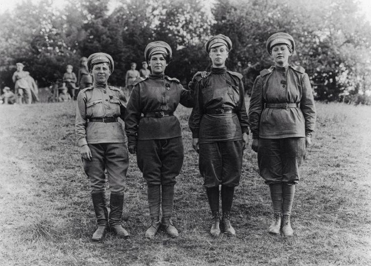 russian revolution in 1917 essay
