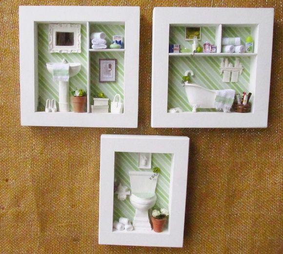 Mdf pintado de branco, fundo com decoupagem,  toalhas feitas á mão, miniaturas de sapato, caixa de sapato, chinelo ( em resina) , a pia , vaso sanitário e banheira em resina .   Aceito encomendas com a cor de sua preferência.  - o trio é composto por : 01 quadro com vaso sanitário, um quadro com pia e um quadro com banheira.   Formato:  ( os quadros com pia e banheira) é 20,0 cm X 20,0 cm                  (o quadro com vaso sanitário) é 20,cm alt  X 16,0 cm de  larg  OBS.: ESTE CUSTO É PARA…