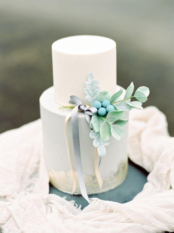 Two tier turquoise wedding cake: http://www.stylemepretty.com/2015/10/16/15-pretty-ways-to-doll-up-your-wedding-cake/ Photography: Paula O'Hara - http://www.paulaohara.com/